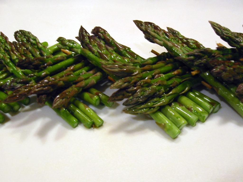 asparagus-1-1478377-1280x960